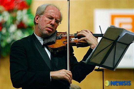 브람스 / 바이올린 협주곡 Op.77 / 기돈 클레머, 바이올린