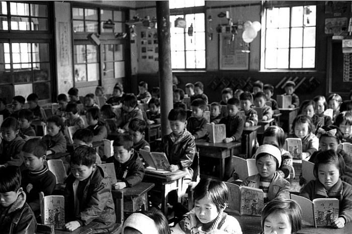 [한국지리/인구]1960~70년대의 콩나물 교실